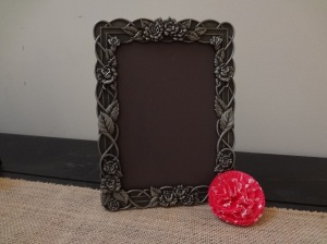 Chalkboard paper + picture frame = Table decor...